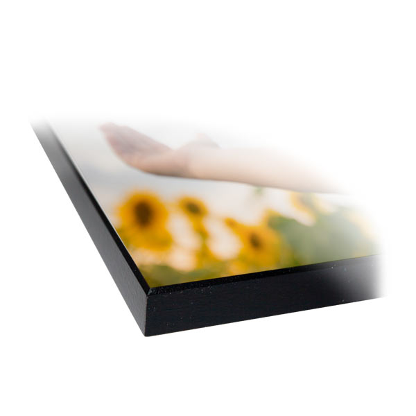 Our wood panel photo prints have a glossy finish to display your treasured photos in elegance.