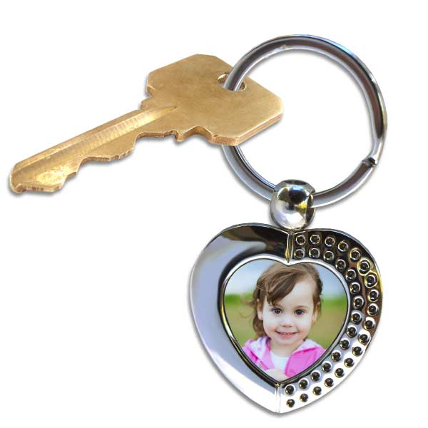 Beautiful design heart key chain, add your own photo and keep someone special close