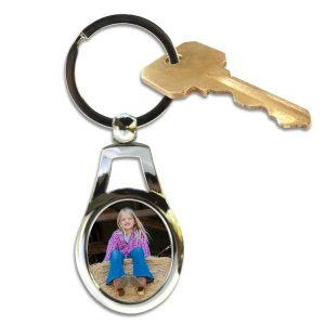 Metal oval key chains make a great gift and are perfect for your keys