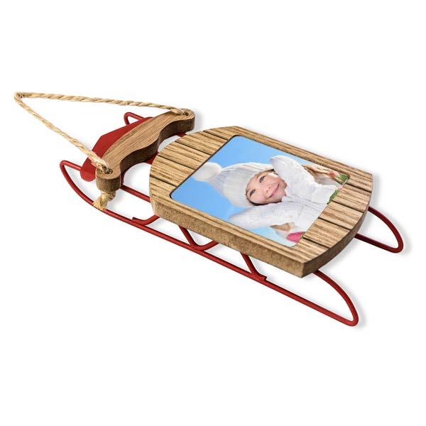 Create a beautiful sled photo ornament with a photo and twine hanger