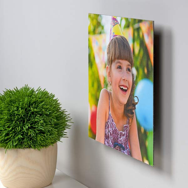 Create a beautiful floating square canvas for your wall