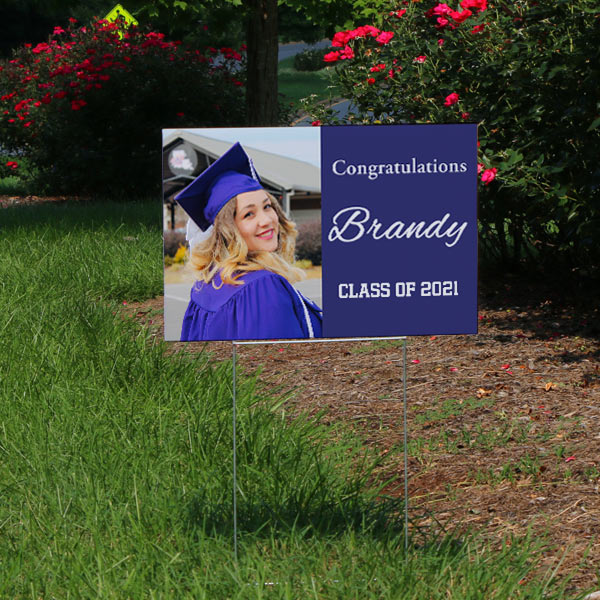 Create your own lawn sign and surprise your 2019 Graduate with the announcement